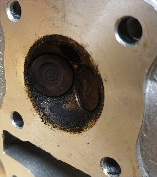 cilinderkop-aangetast-door-e10-benzine-euro95.