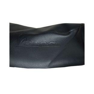 Vespa | zadeldek woord [vespa] gegraveerd vespa lx zwart