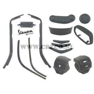 Vespa   Complete styling / sierlijst set Vespa Sprint mat zwart 8-delig (tot 2018)